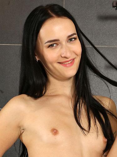 Puffy Network Model Sasha Sparrow