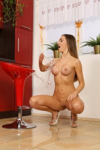 Kitchen Pissing #13