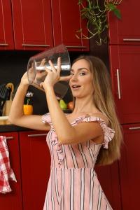 Kitchen Pissing #5